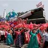 北朝鮮パレード、複数のミサイル公開 新型のICBMか