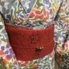 【着物コーディネート帖】華やか金彩入り枝花もようの小紋着物で美術展にでも