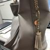 よく愛用しているバッグはGALLORIA~!お値段もお手頃なのにしっかりとした作りで気に入ってます。