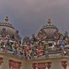 チャイナタウンのど真ん中にあるヒンズー教寺院~「スリ・マリアマン寺院」
