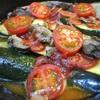 牡蠣缶とズッキーニのボードとトマトのグリル