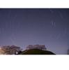 桜咲くさきたま古墳公園で,古墳を前景に星ぐるぐるを撮ってみた
