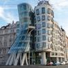 【プラハ観光オススメ】中世の街並みに浮き立つ世界に誇る近代建築!ダンシングハウス