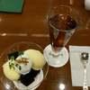 椿屋珈琲でコーヒーゼリーとバニラアイス