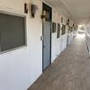 全部空室アパート再生 その8 二階の土間に長尺塩ビシート しかも木目