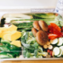 ホットプレートで焼き野菜。ミニハンバーグやらタルタルソースやら。