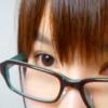 ブルーライトカットの眼鏡にしたら蛍光灯下で白い紙を見る時の眩しさがなくなった話
