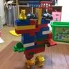 3歳息子、デュプロでロボットを作る