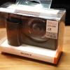 SONY のミラーレス一眼カメラ α6400 に純正ボディーケース(LCS-EBE(B))を装着してみました