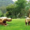 韓国が少女像に跪く安倍首相の像を作成 2020年07月26日