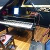 グランドピアノのレコーディング風景