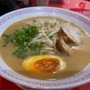 ハノイで鶏ガラベースのこってりラーメン(権や NGON-YA)