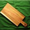 パンを乗せる!『ニトリ』で木製「カッティングボード」を購入。価格、原材料、見た目の紹介、問題点や手入れの様子を書きました