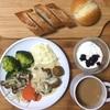 週末朝ごはん。イケアで買った食品で作ってみました。