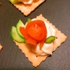 スモークサーモンの山椒クリチーディップカナッペ