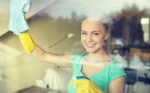 掃除に関する英語「ブラシでこする」「雑巾で拭く」って何て言う?