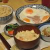 ベーコンエッグと納豆、クリームスープに玄米 @家ごはん