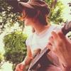 公園で弾き語る26歳の初夏。