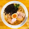 太麺が美味しい燕三条系背脂醤油ラーメン(らーめん源治郎)