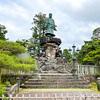 【金沢】兼六園にある明治紀念之標(日本武尊像)は鳥に嫌われている!?台座部分の「三すくみ」も注目ポイント