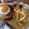 食歩記 丸の内 パレスホテル グランドキッチン 昼からガッツリ ボリューム満点のビーフバーガーを食す