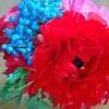 花と戯れる