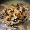 【簡単自炊レシピ】荻・井上しじみ飯まぜご飯の素を使って炊き込みご飯を作ってみた