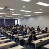 本日の授業のテーマは「大学生の国語力低下を憂う」