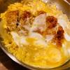 かつを卵でとじて、ハフハフ頂く