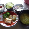 幸運な病のレシピ( 1185 )朝:鮭のハラス、豚バラの醤油煮、ニラ饅頭(市販品)、キャベツ味噌汁