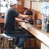 慎太郎食堂の店主。