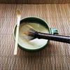 レビュー『マグカップ・マドラーdeお茶』抹茶を簡単に点てるのにおすすめ、茶筌マドラーが使いやすい~茶道家の教える自然カフェ~