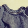 Vネックセーター 首まわり