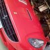 フェラーリのホイール修理もお任せ!フェラーリ カリフォルニアF1のグロスブラックホイールの傷を外さずにそのまま当日修理