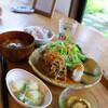 ●さいたま新都心「Cafe Maru (マールーウ)」のレンコンハンバーグ膳