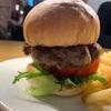 【グルメ】東京・コレド室町テラス「AURORA Burger」。肉厚のハンバーガーをいただく。