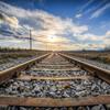 線路〈レール〉を走り続ける
