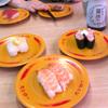 就職祝いの回転寿司と娘のお弁当