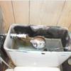水漏れ修理5(水洗トイレ手洗いホース破れ補修)