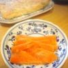 サーモン刺身、唐揚げ、焼き鯖、玉子焼き