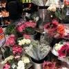 バレンタイン:男子が花屋に行列のスイス