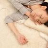 寝る前の新習慣! 疲れを癒す「聴く眠活」とは?