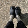 決してファッションリーダーになれませんがグレイヘアだからこそ靴下は可愛く!