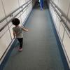 ANA普通席搭乗記(羽田→庄内)/2歳未満のチビと一緒に初めて搭乗、CAしゃん達はチビにとっても優しい☆【庄内紀行1】