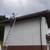 屋根瓦の修正と職人さん