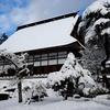 棟高約26メートル、勾配49度、面積は720坪…日本一の茅葺屋根