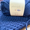 動画を参考にして、ウール100%の毛糸でスヌードを編む