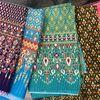 豪華に見えるキラキラのタイ柄の布で製作♪