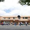 新校舎と七頭舞  Nanazumai Tanzüben