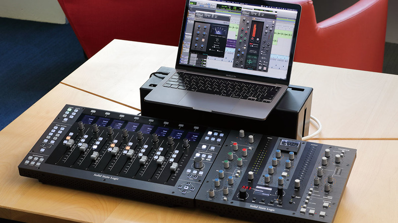 SSL UF8 / UC1 〜Rock oN Monthly Recommend vol.39